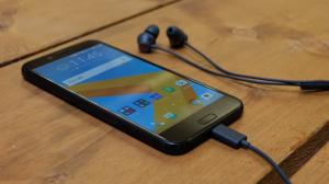 HTC 10 Evo (2)